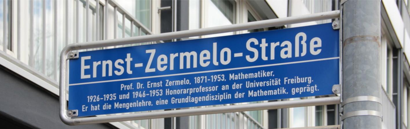 [Straßenschild Ernst-Zermelo-Straße]